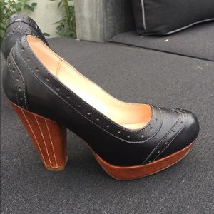 Bed Stu leather ladies shoes- like brand new!